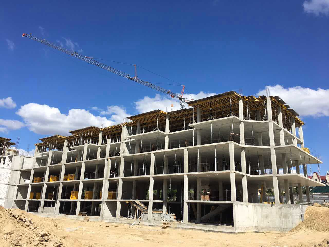 Секции 8-9. Заливаем бетоном перекрытия 4-5 этажа