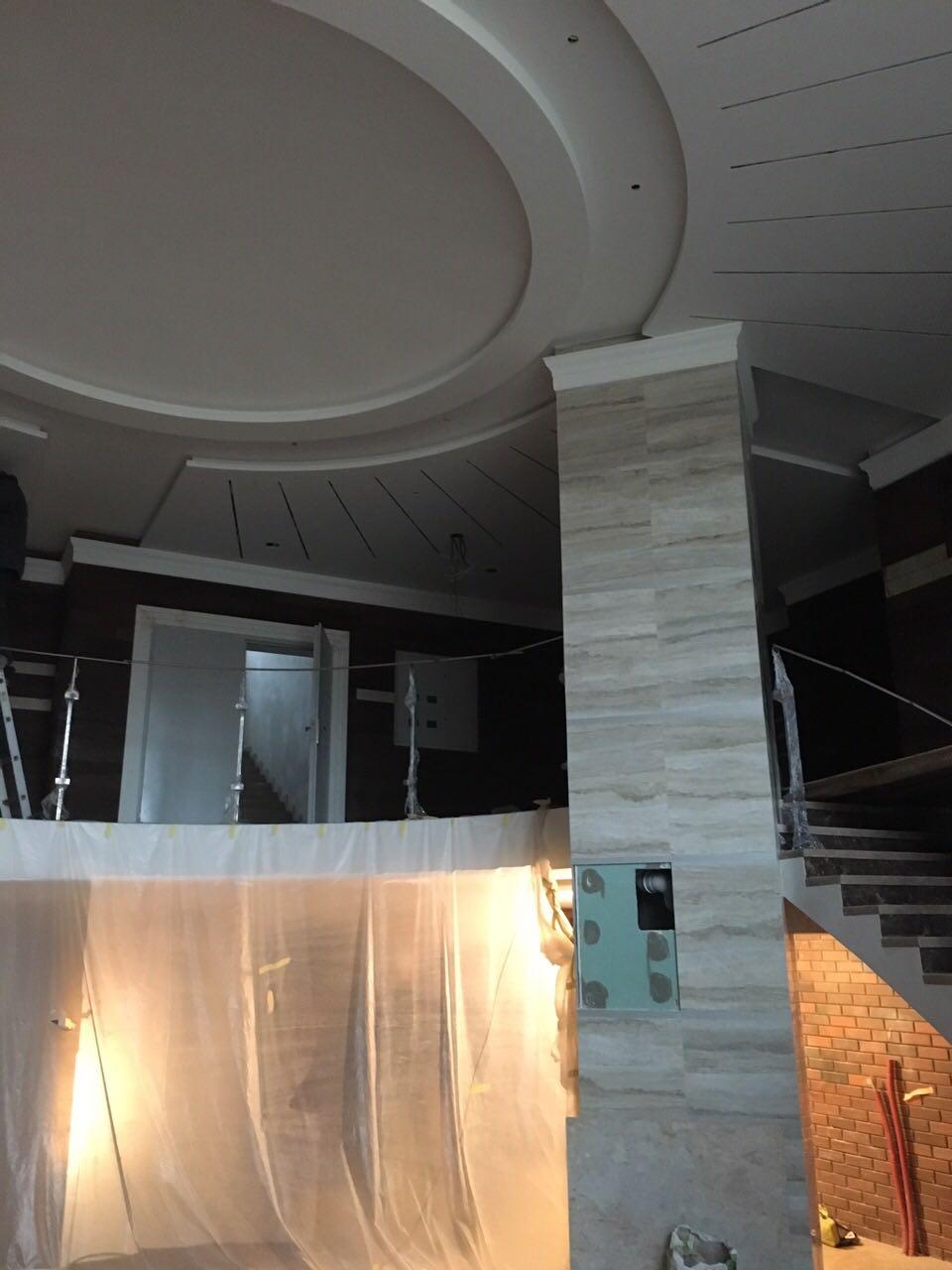 Так выглядят холлы и коридоры секции Lux