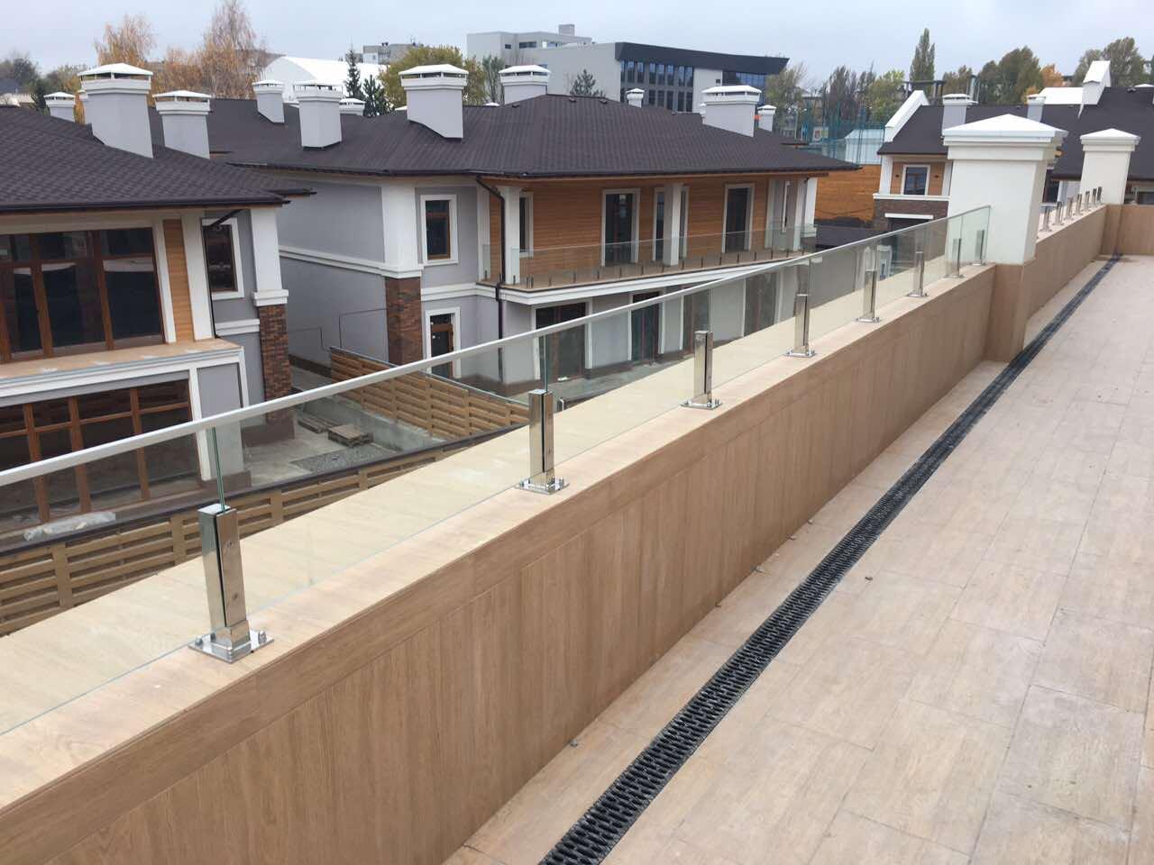 Так выглядят готовые террасы в секциях Lux