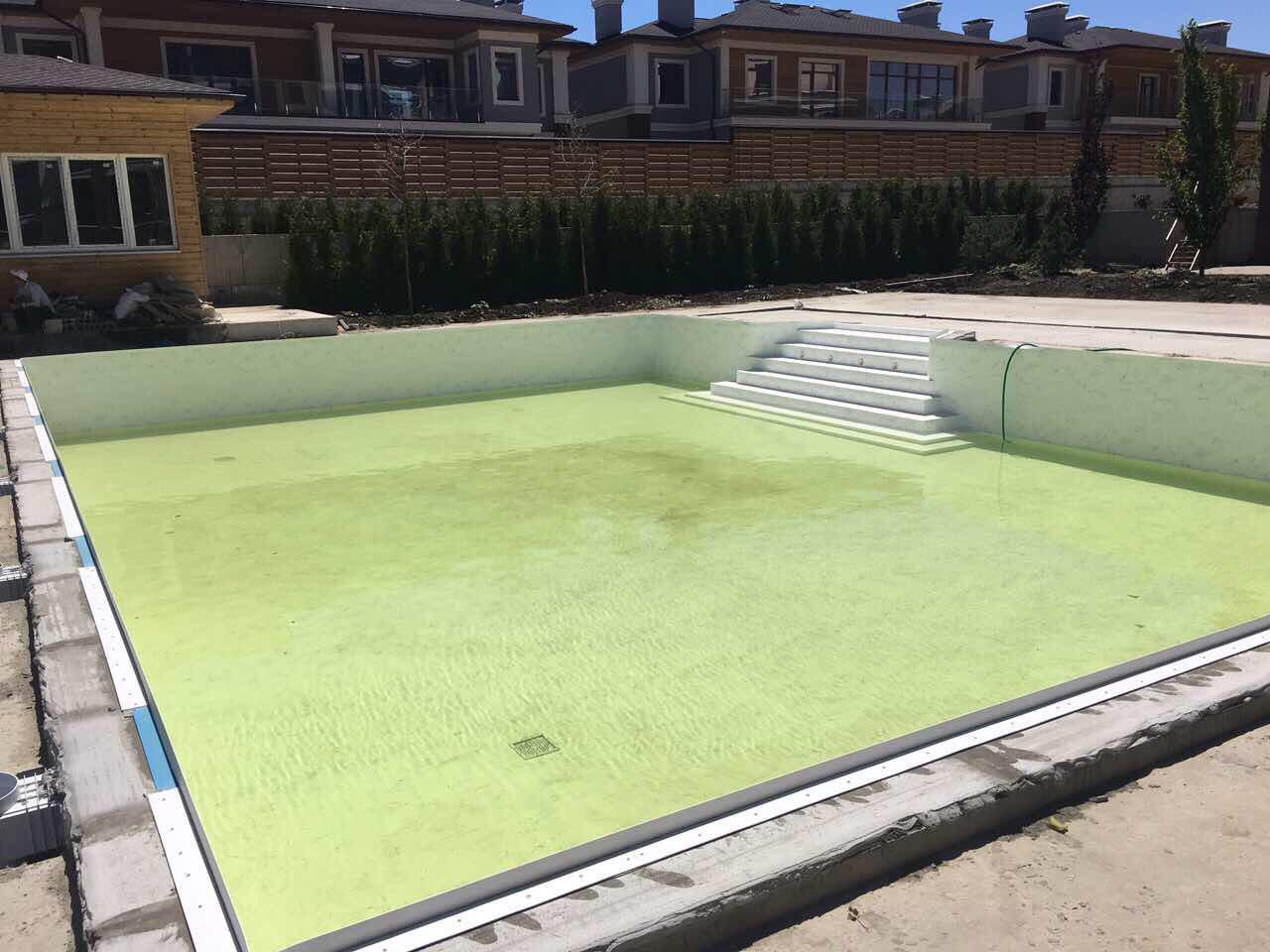 Заканчиваем благоустройство бассейна в секциях люкс. Скоро открытие пляжного сезона!
